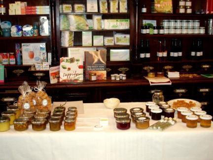 Herbst 2010: Verkauf in der St.Charles-Apotheke